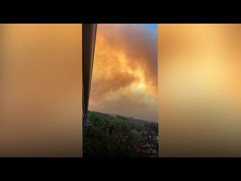 smoke from thomas fire blazes