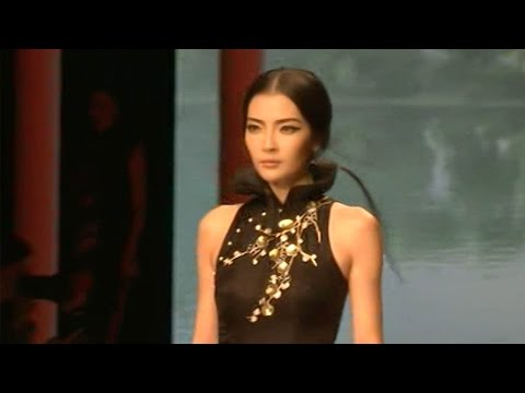 qipao dress featured at beijing fashion show